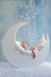 1_toulouse-photographe-bebe-dans-la-lune-GB-studiophoto.com_