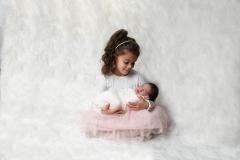 1_toulouse-photographe-de-naissance-fratrie-famille-GB-studiophoto.com_